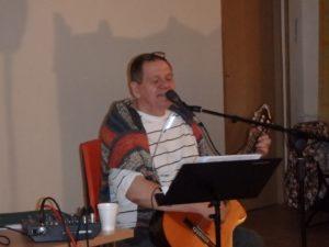"""Październikowy """"Dobry wieczór z poezją i piosenką"""" w Czytelni"""