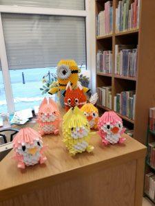 Wystawa origami w Wypożyczalni nr 37