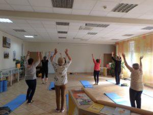 """""""Ćwiczenia koncentracji i uważności"""" - prozdrowotna gimnastyka w Czytelni"""