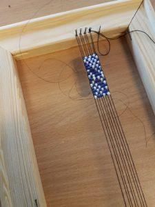 Warsztat tkacki - bransoletka z koralików na krośnie