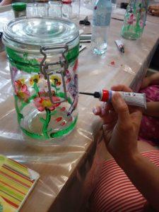 Malowanie na szkle – warsztaty kreatywne w W64