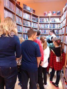 Lekcja biblioteczna w MW123