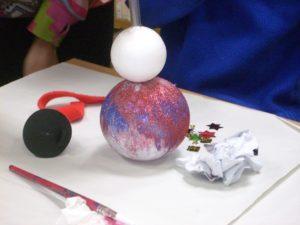 """""""Malowanie bombek"""" – warsztaty w W29"""