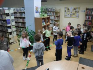"""""""Dzieci lubią misie, misie lubią dzieci """"- listopad w BD12"""