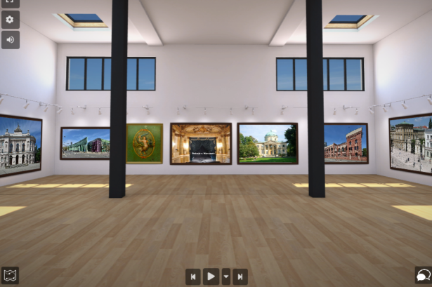 obrazek przedstawia salę; na ścianach widnieją zdjęcia warszawskich atrakcji turystycznych