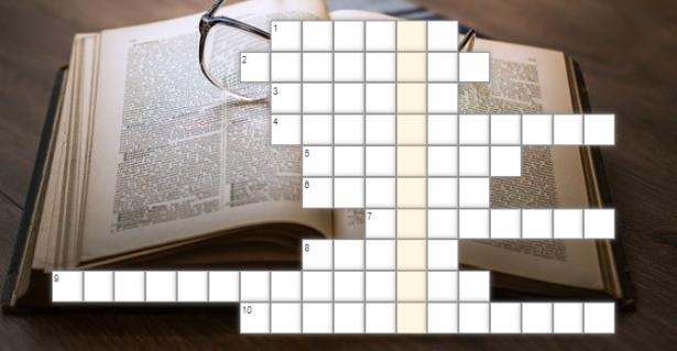 krzyżówka; w tle zdjęcie przedstawiające książkę i leżące na niej okulary