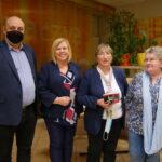 dyrekcja Biblioteki (Danuta Jankowska i Tomasz Kowalski), zastępca burmistrza Dorota Kozielska i była kierownik Czytelni Naukowej - Maria Górska