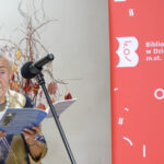 Anna Saciuk-Nowak prezentuje swój wiersz