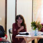 poetki grupy Akant siedzą przy stole